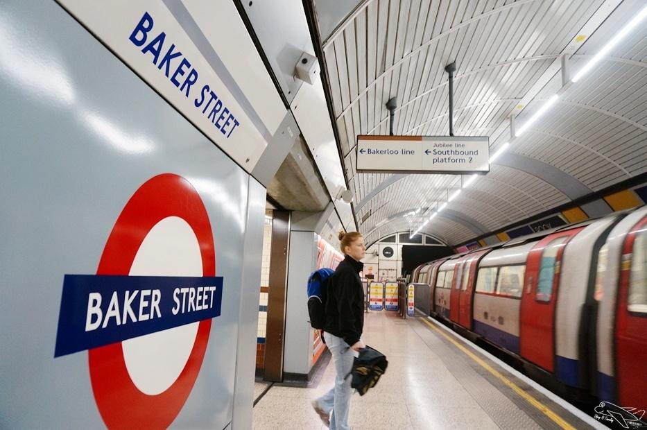 [英國。倫敦]福爾摩斯博物館Sherlock Holmes Museum。偵探迷千萬別錯過的雨天景點~2016年新票價15磅(隔壁有披頭四博物館)