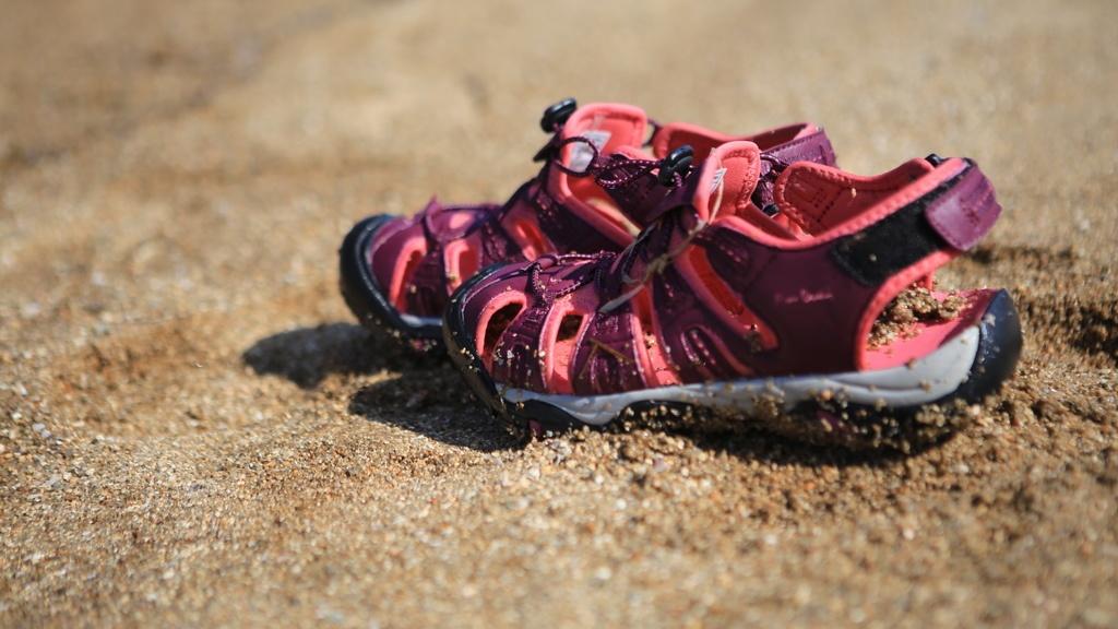 [試穿]出國旅行最適合的鞋子!皮爾卡登海陸兩用鞋皮爾卡登水陸兩用五爪全機能護趾涼鞋~