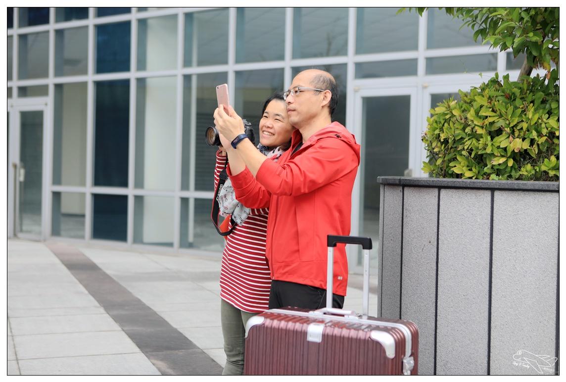 NaSaDen行李箱推薦|帶著相機與行李箱,我們一起去環遊世界~林德霍夫系列鋁框絕美質感箱~ @走走停停,小燈泡在旅行
