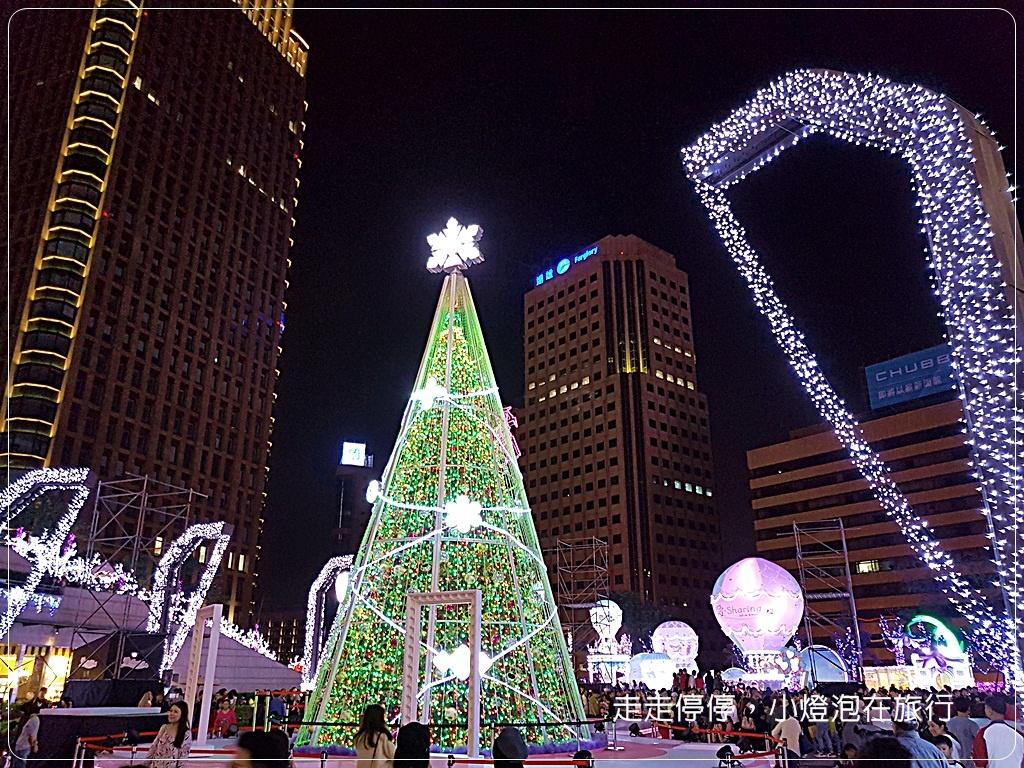 (台北聖誕)統一時代百貨|2016愛。sharing耶誕燈光秀~引爆紫色巴黎夢幻聖誕風暴。免費巴黎3D鐵塔煙火送你看!
