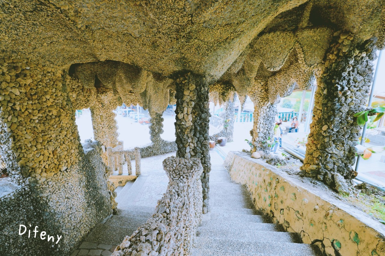 台灣版奎爾公園|石頭廟,山裡的仙氣十足、對比巴賽隆納的異曲同工之妙~