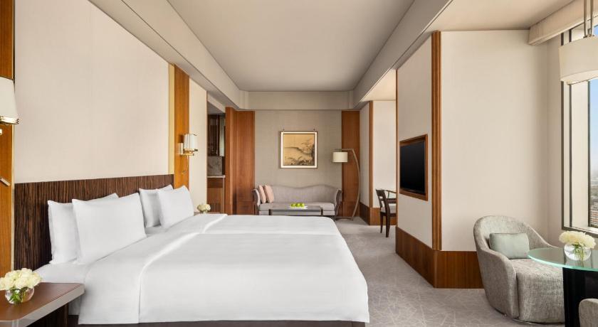 即時熱門文章:台南遠東香格里拉暖心住房專案延長,3800一直到9/30~其他房價,也可以參考,家庭房2720起~豪華閣客房3825起~