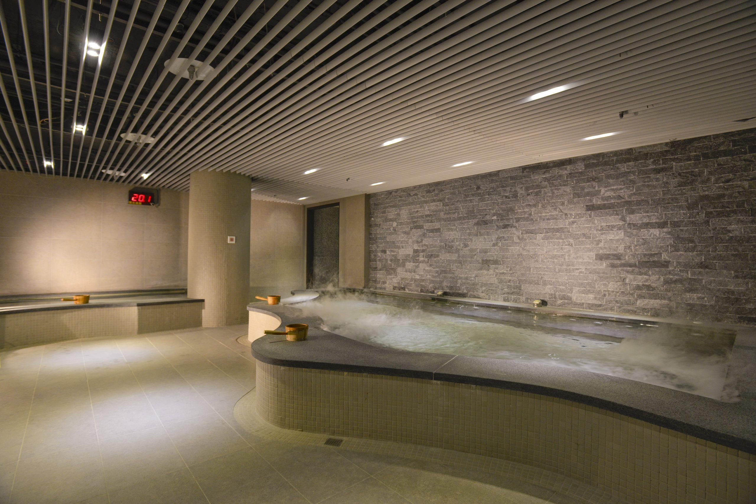 大地酒店大眾風呂|服務優質、隱私度高、人數限定~溫泉泡湯套票+虎航不限航點機票~