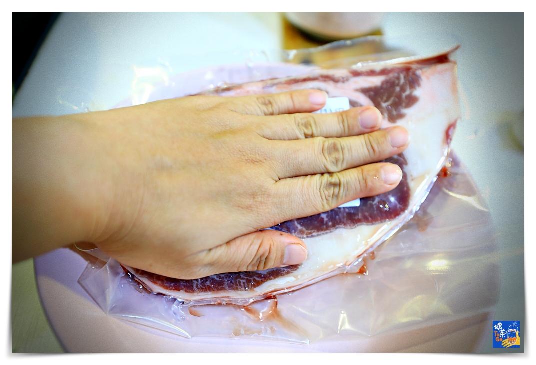 煎完美牛排的簡單方法 如何煎出完美肋眼牛排,溫度、鍋具、步驟建議~