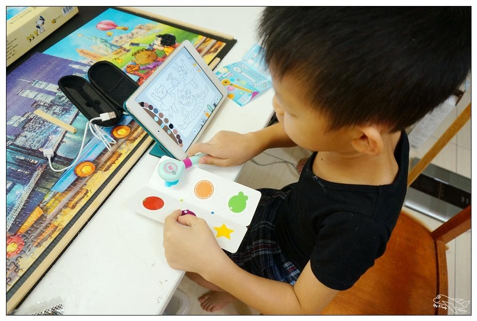 親子mozbii智慧互動萌奇筆。增進親子關係、結合情境互動~幫助孩子發展手眼協調、五感學習