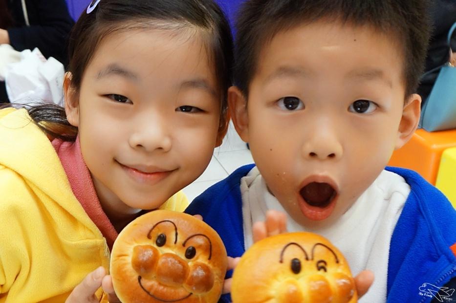 日本關西親子自助|神戶港、麵包超人博物館夜遊~搭配姬路城的好行程~可愛度破錶之必逛麵包超人購物中心!