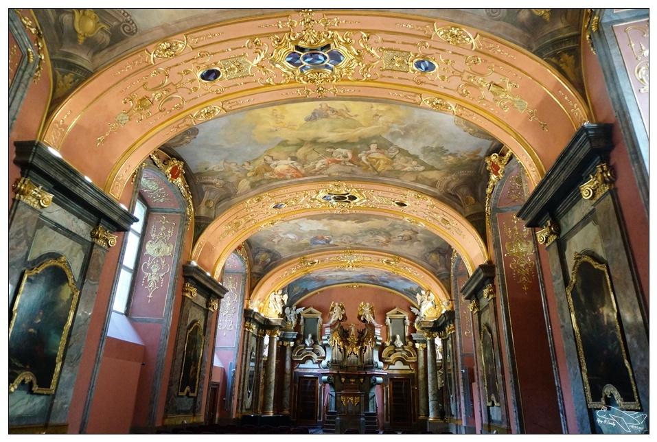 捷克超動人景點|布拉格最美圖書館・克萊門特學院,Klementinum世界絕美巴洛克圖書館~布拉格最佳景觀拍照點~