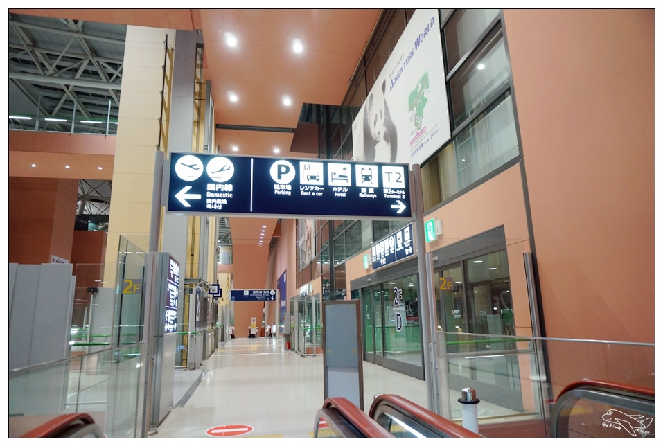 (大阪超紅眼航班)香草航空半夜到關西機場晚班機 隱藏版免費休息區~紅眼班機因應策略